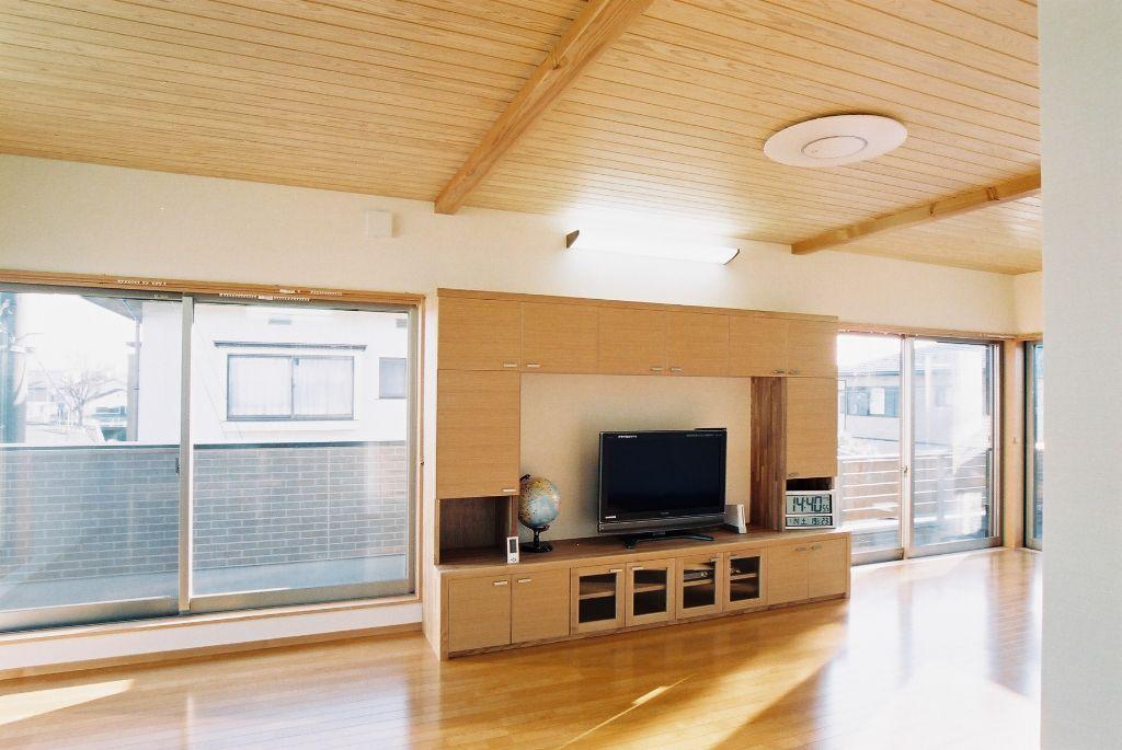 洋室の梁見せ天井