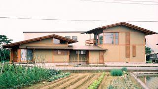 変形敷地を有効利用した家
